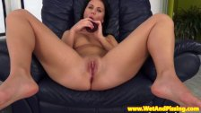 Watersports beauty fingers her peeing pussy