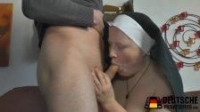 Nonne mit dicken Titten