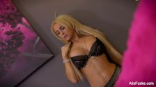 Hottie Alix plays with a toy in her pussy