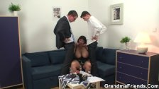 Chubby mommy double dicked after photosession