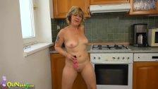 OldNanny Two hot lesbian licking and masturba