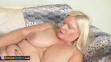 EuropeMature Old ladies Amy and Lacey toys so