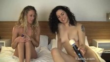 Sexy Zayda And Amberly Toy Their Twats
