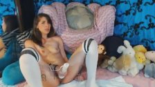 Hot College Girl With Vibrator On Her Pussy
