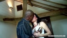 Black Guy Hunting For White Pussy