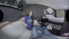 Bobbi Dylan Shows Her Body and Fucks in VR