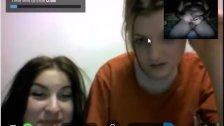 Reacciones de nenas al ver mi polla en la web cam.