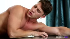 Hunk Gives his Raw Hole for Property Rental