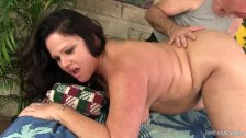 Chubby MILF gets a sexual massage