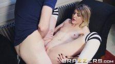 Brazzers - Slutty Babysitter Rhiannon Ryder makes some extra cash
