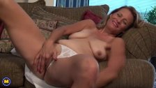 American housewife fingering herself