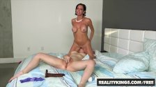 RealityKings - Moms Lick Teens - Veronica Avluv and Zoey Taylor