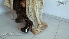 Mature Herrin Carmen Traegt Pelzmantel Fur Coat Overknee Boots Furfetish