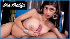 BANGBROS - Mia Khalifa Looks Stunning As She Gets Her Arab Pussy Stretched