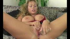 Busty Yanks MILF Amber Lynn Bach Masturbates