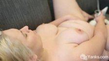 Yanks BBW Chloe Minx's Hitachi Cum