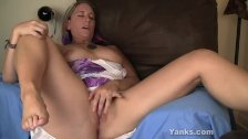 Yanks Blonde Azrael's Clit Fun
