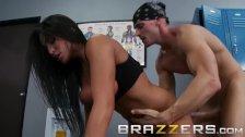 BRAZZERS - Slutty boxer Jenaveve Jolie, needs a preworkout massage and stre