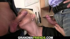 Skinny blonde old mature woman swallows two cocks for work