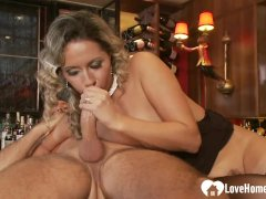 Gaping ass pleasures for a thirsty milf babe