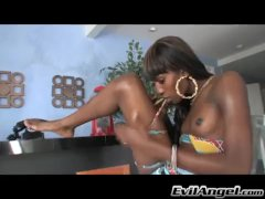 Ebony T-girl Drains Herself Off