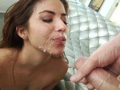 Isabella De Santos Loves Sex