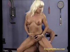 german muscle mom gets deep fucked