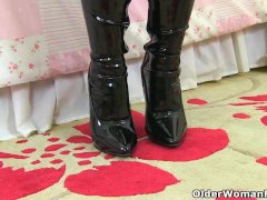 My Favourite Videos Of English Mums In Tights Raven Danielle And Red