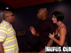 Sexy Mature Shay Fox Likes Rap And Big Black Dick