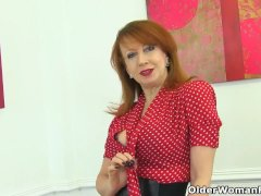 English Milf Red Probes Her Fanny With 2 Fingers