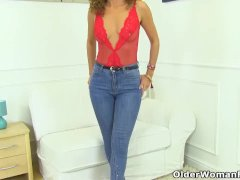 French Cougar Chloe Spreads Her Legs For Finger Fun