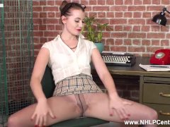 Hot Assistant Brook Logan Dildos To Orgasm On Desk In Pantyhose And Heels