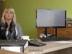 Katy Rose Braucht Geld Also Warum Dient Sie Dem Lustvollen Kreditm