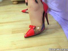 Euro Cougar Red Has Dildo Fun In Tan Tights