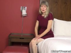 Usa Cougar Jamie Cherish Gets Inspired Sexually In Motel Room