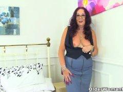 English Grandma Zadi Luvs Going Knickerless Under Her Skirt