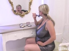 Katerina Gets Nude And Try To Struggle Agonizing Contractions!