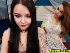 Petite Lesbian Hottie Eats Each Other Cunt