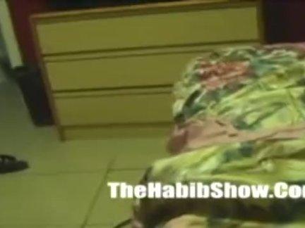 Страстный секс в бассейне с пышногрудой брюнеткой