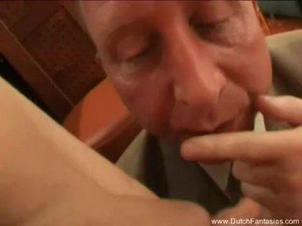 Большие и мягкие сиськи у красотки, которая не может прожить и дня без секса