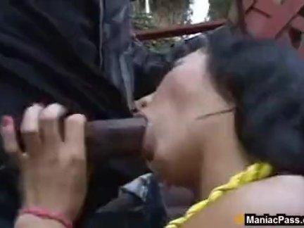 Ретро лесбийское видео с мастурбацией волосатых кисок женщин и нежное куни