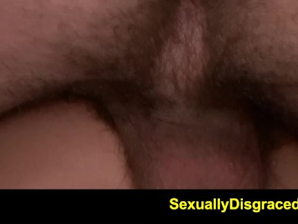 Парень глубоко трахнул киску, попку и ротик худой секси куколки
