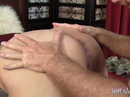 Замечательный домашний анальный секс