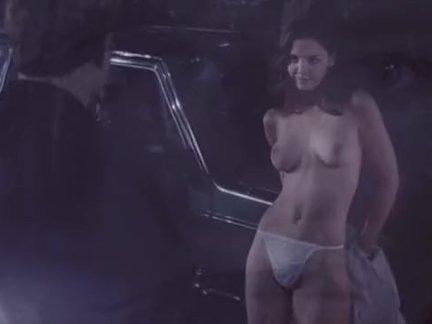 Кэти холмс ню сиськи видео из в подарок