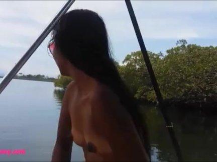 Маленькие тайский тинейджеры хизер глубокий монстр кончил на лодке