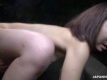 Милые азии потаскушка получать ее киска палец фу