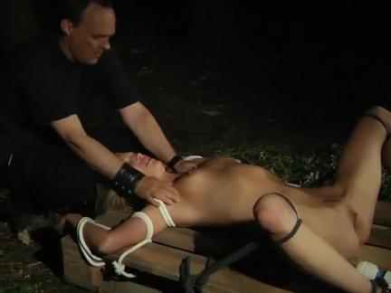 Кудрявый блондинка онанизм и рабыня в грубо раб ебёт