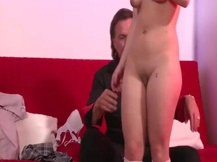 Адриана инициирована в порно