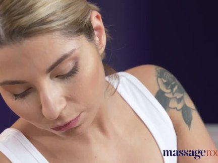 Массажные кабинеты сексуальный идеальный бум блондинка русский имеет глубокий оргазм