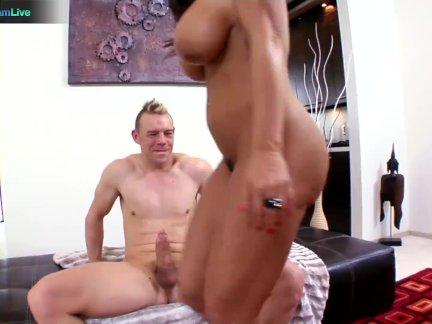 Famous MILF hottie Lisa Ann craving for Erik Everhard?s cum
